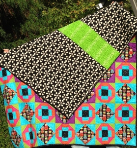 Bright Owls quilt backview