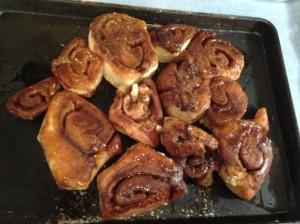 Christmas cinnamon rolls 7